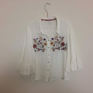 Taylor & Sage White Embroidered Short Top